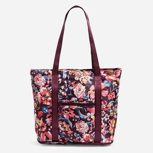 Vera Bradley Packable Tote Bag in Indiana Blossoms